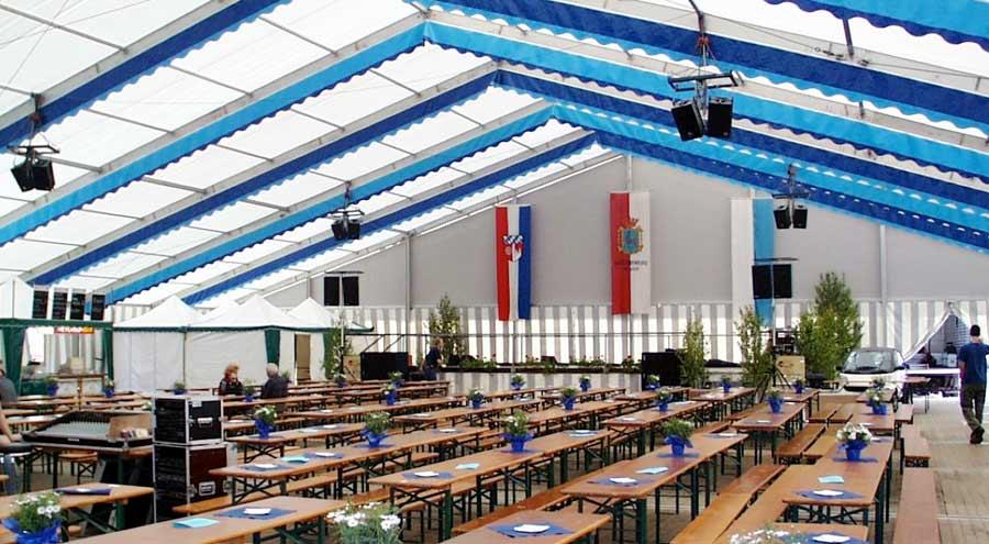 Dekoration dach wand zelte und leichtbauhallen von leube for Festzelt dekoration