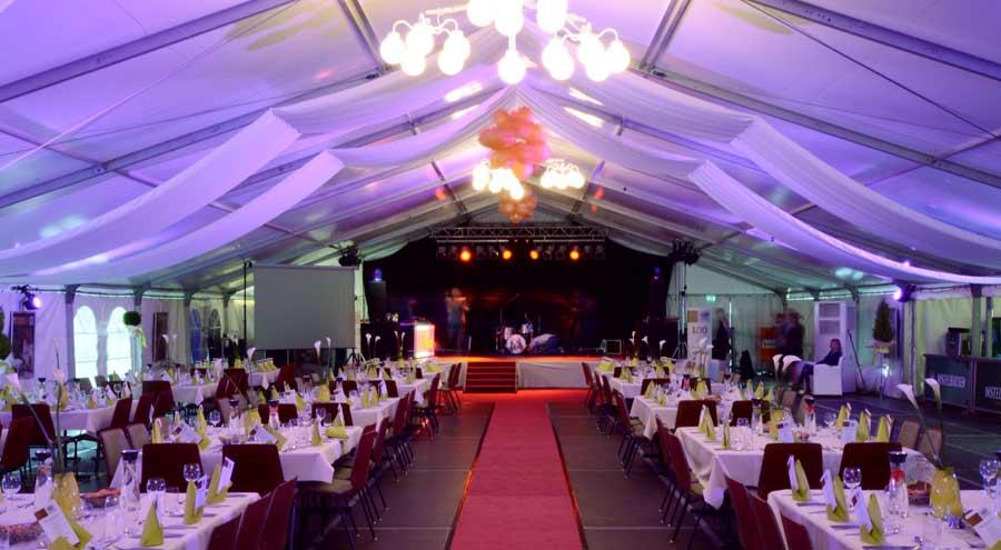Innenbeleuchtung zelte und leichtbauhallen von leube for Zelt deko hochzeit